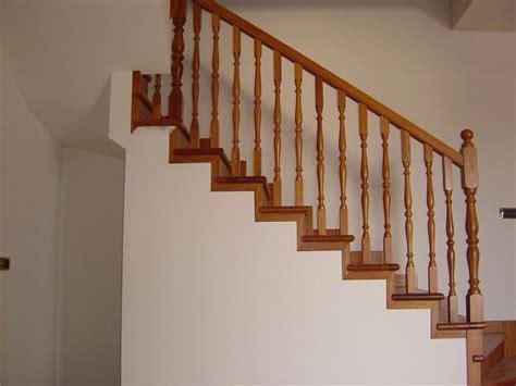 ringhiera in legno ringhiere scale interne scale e ascensori tipologie e