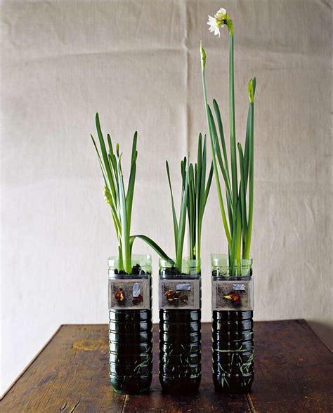 vasi di plastica per fiori idee per riciclare le bottiglie di plastica foto