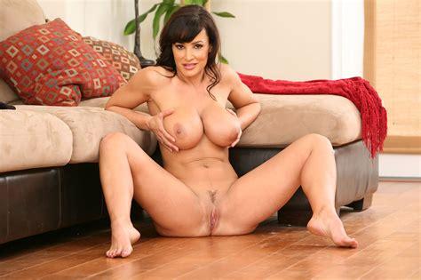 Mature Brunette Milf Lisa Ann With Fake Tits Wearing Black Stockings Tgp Gallery 82778