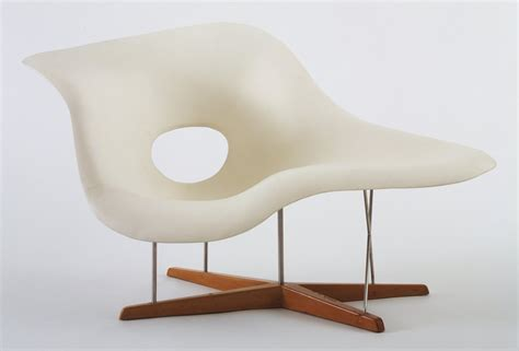 eams chaise moma design