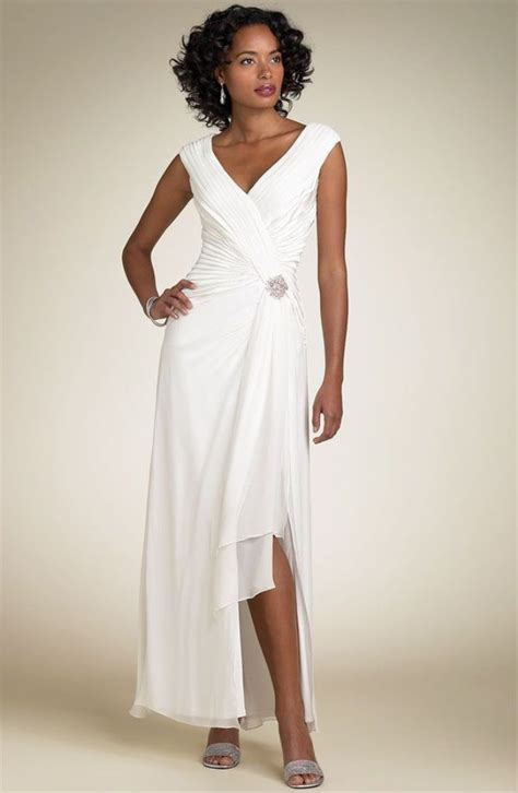 It's no secret that a lot of marriages end in divorce, and oftentimes people find true happiness in their second marriage. 15 Best Second Wedding Dress Ideas For You | Informal wedding dresses, Second marriage dress ...