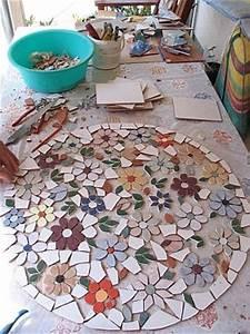 Mosaik Selber Fliesen Auf Altem Tisch : 25 best ideas about mosaiktische auf pinterest mosaik tischplatten mosaik und mosaikfliesen ~ Watch28wear.com Haus und Dekorationen