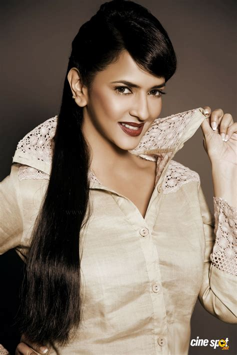 actress lakshmi prasanna manchu lakshmi prasanna actress photos 65