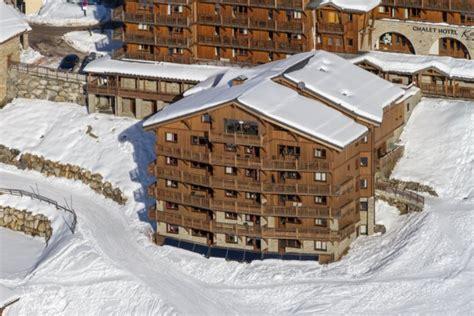 residence les chalets du soleil authentiques les menuires alpes avec voyages leclerc