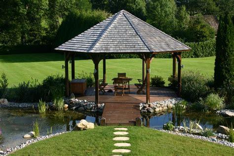 construire pergola bois brut jardin accueil design et mobilier