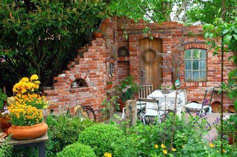 Deko Mauer Im Garten by Alte Fenster Als Deko Im Garten Home Ideen