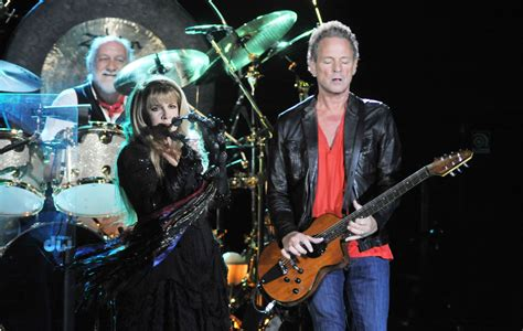 Fleetwood Mac Respond To Lindsey Buckingham's Lawsuit