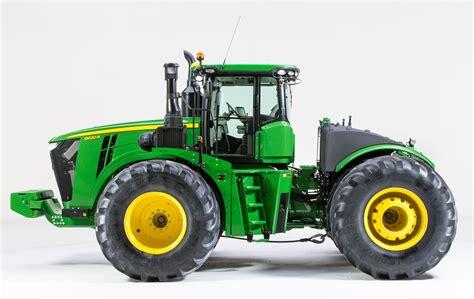 Composite Fuel Tank for 9R Tractors   John Deere US