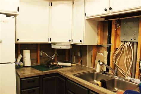 kitchens without backsplash how to remove a kitchen tile backsplash
