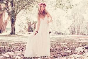 Teekidesignsbyamyoram beach boho wedding gowns via for Boho dresses wedding