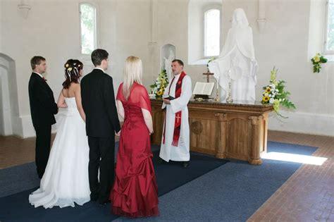 Kā Latvijā reģistrēt laulību - LV portāls