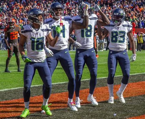 report card bob condotta grades  seahawks week  win