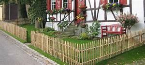 Kleiner Gartenzaun Holz : staketenzaun und kastanienzaun f r den bauerngarten ~ Whattoseeinmadrid.com Haus und Dekorationen