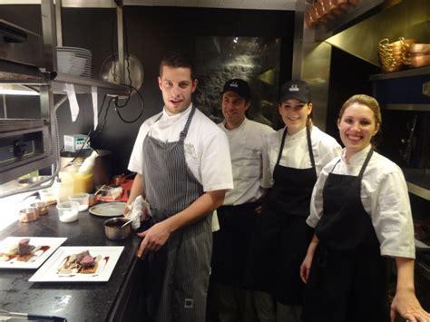 equipe de cuisine guillaume st et l équipe de cuisine
