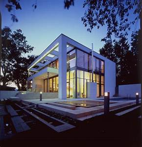 Kubus Haus Günstig : weisser kubus am hang von dibelius architekten einfamilienh user ~ Sanjose-hotels-ca.com Haus und Dekorationen