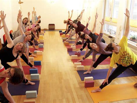 ausbildung 2019 karlsruhe yogalehrer ausbildung in karlsruhe zertifiziert yogastudio die matte