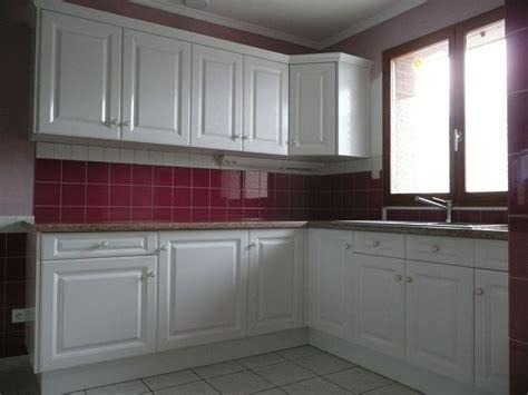 meubles de cuisine sur mesure cuisine contemporaine polymère brillant gilles martel