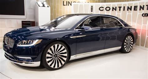 lincoln continental    sedan outstanding cars