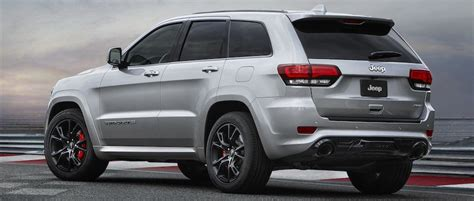 car review jeep grand cherokee srt tested uae