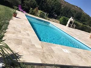 Contour de piscine et margelles en travertin aix en for Contour de piscine en pierre 7 plage de piscine en travertin