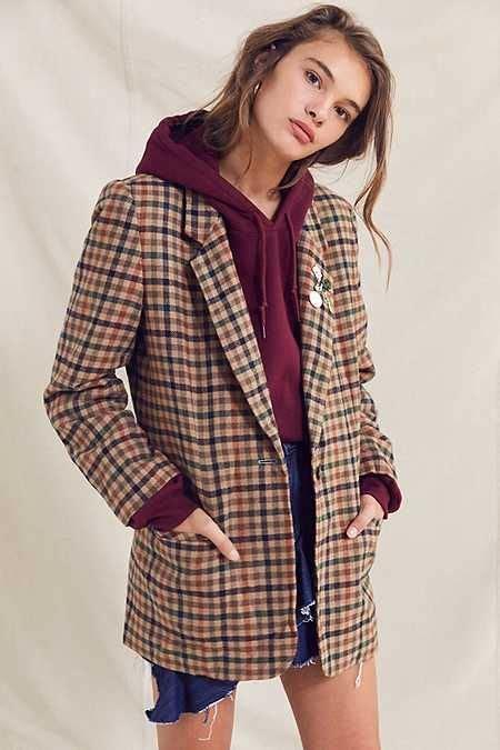 Street-style-long-oversized-blazers-trend-2018-4 u2013 The Fashion Tag Blog