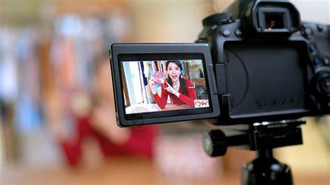 手机直播网络销售高清图片下载-正版图片501642371-摄图网