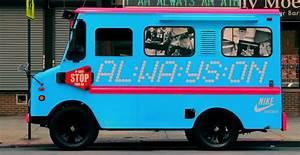 Camion Ambulant Occasion : nike un camion de glace ambulant en guise de boutique llllitl ~ Gottalentnigeria.com Avis de Voitures