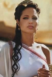 Roman Goddess Hairstyles | Angelina Jolie Goes Greek as ...