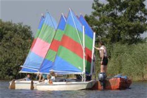 Zeilboot Eenpersoons by Optimist Zeilschool De Veenhoop