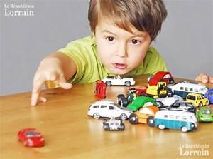 Petite Voiture Enfant : choisir le bon jouet les jouets pour b b ge par ge ~ Melissatoandfro.com Idées de Décoration