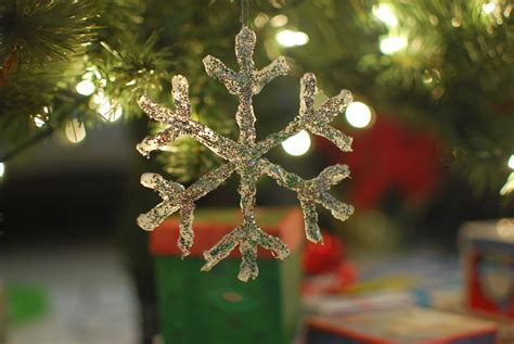 diy hot glue snowflake ornament video beesdiycom