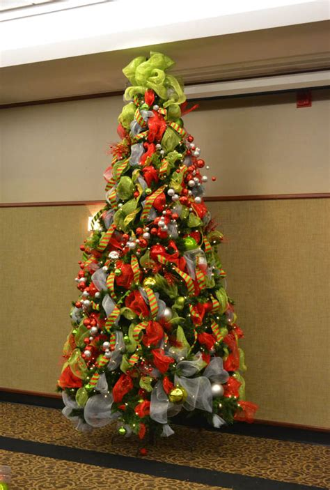 Tree Decorations Ideas Picture by 50 Beautiful And Stunning Tree Decorating Ideas