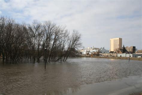 photographs  red river floods  fargo north dakota
