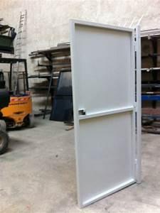 Porte En Métal : porte d 39 entree de securite bdr m tal concept ~ Teatrodelosmanantiales.com Idées de Décoration