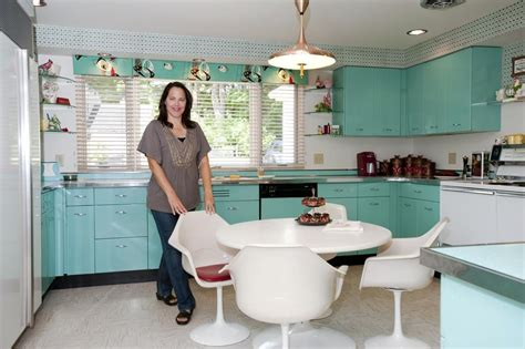 1950s kitchen colors 25 pastel kitchens that channel the 1950s 1037