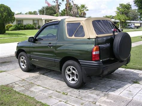 sell   chevrolet tracker  door convertible