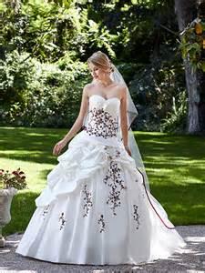 point mariage bordeaux robe de mariée hellebre robe de mariée princesse robe de mariage bordeaux chez point mariage