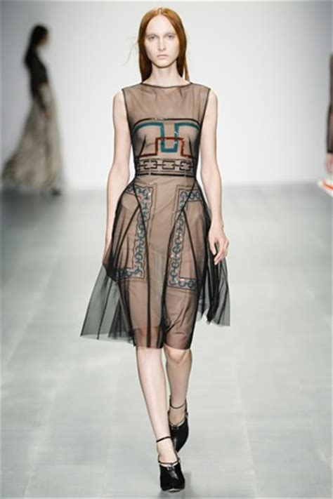london fashion week trends ss  daas  good