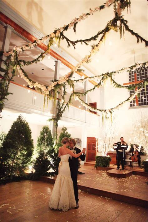 cozy evergreen winter wedding decor ideas weddingomania