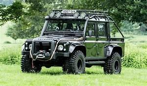 Land Rover Defender A Vendre : l 39 un des land rover defender svx de spectre est vendre ~ Maxctalentgroup.com Avis de Voitures