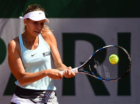 Polska tenisistka skreczowała w trzecim secie pojedynku z japonką kurumi narą przy. Zdjęcia: French Open: Linette nie wyszła na kort. Mecz ...