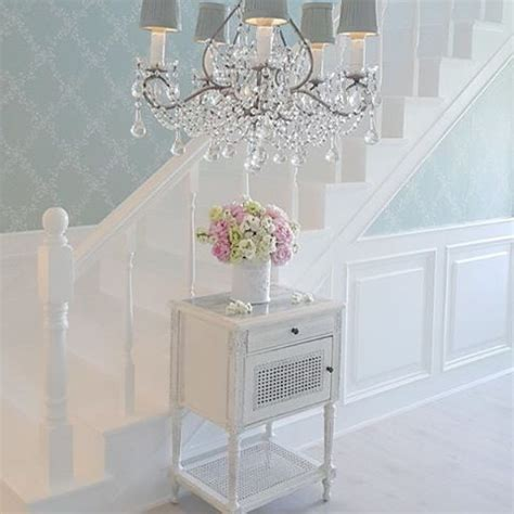 Treppe Shabby Chic by 25 Best Ideas About Shabby Chic Wallpaper On