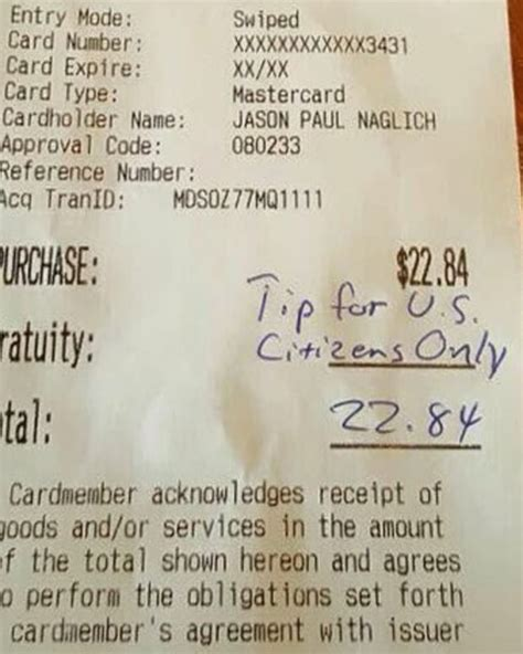 waitress reportedly caught doubling  tip  restaurant