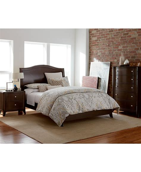 nason  piece set   macys queen bed nightstand