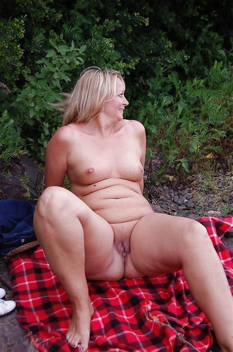 Roxy Sexy Chubby US MILF Pics XHamster