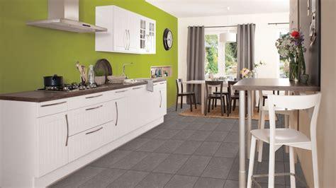 cuisine bois blanc cuisine mur vert anis
