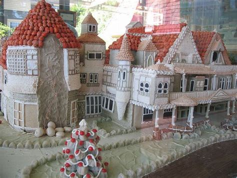 13 Weird And Wonderful Gingerbread Houses