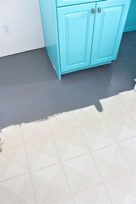 paint  vinyl floor painted vinyl floors diy