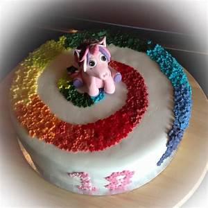 Regenbogen Einhorn Torte : einhorn regenbogen torte unicorn rainbow cake meine motivtorten pinterest torten ~ Frokenaadalensverden.com Haus und Dekorationen