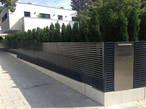 Moderne Häuser Mit Zaun by Designzaun Magnus Zaun De Garten